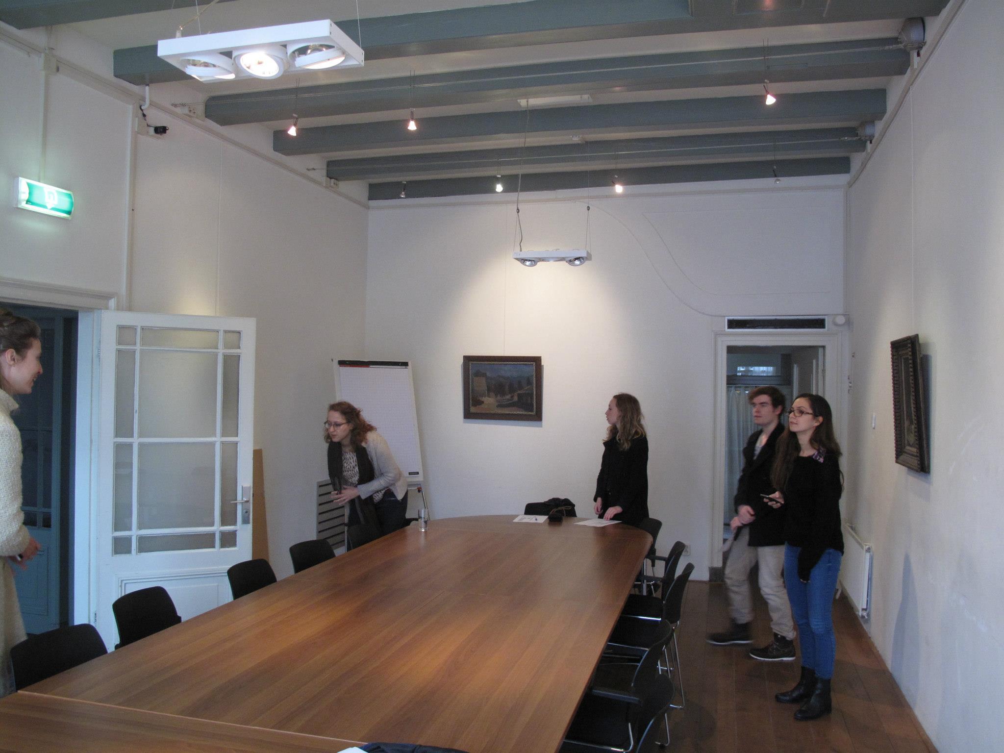 Eerste verkenning van de Arti Galerie, waar het allemaal zou gaan plaatsvinden